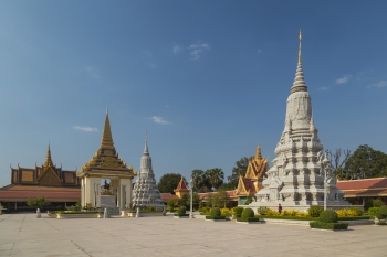 King Norodom statue and two stupas, Royal Palace, Phnom Penh, Cambodia © Marcin Konsek.jpg