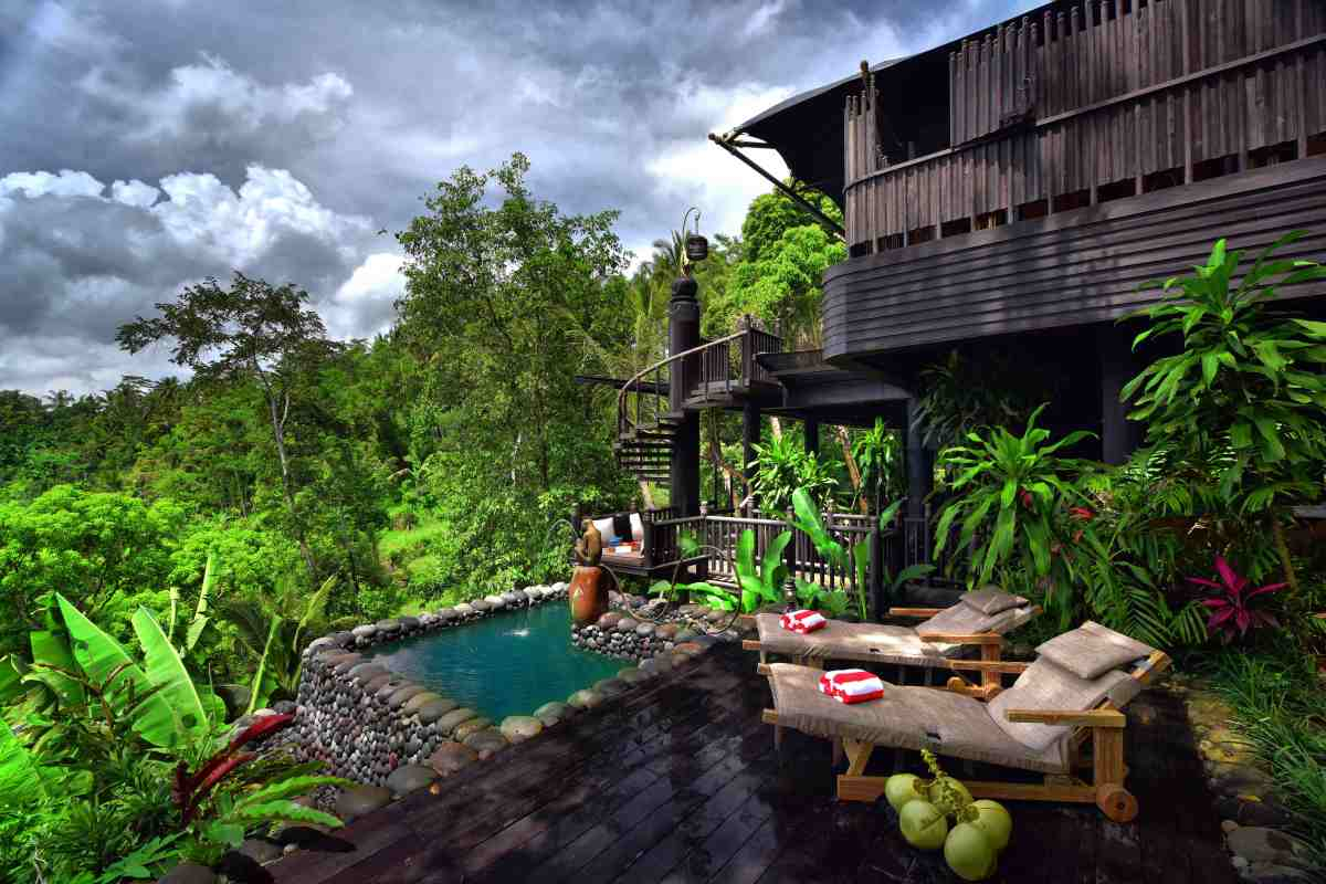 Capella Ubud - jacuzzi plunge pool and deck.jpg